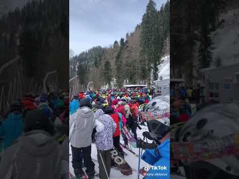 Администрация курорта «Роза Хутор» прокомментировала видео с огромными очередями на подъемники