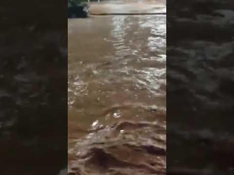 На египетском курорте Шарм-эль-Шейх устраняют последствия стихии