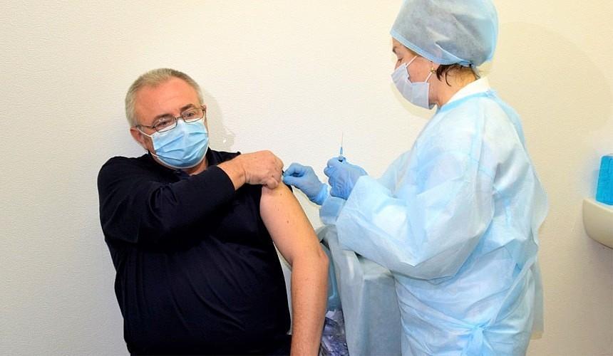 Персонал курортов Сочи вакцинируют от ковида