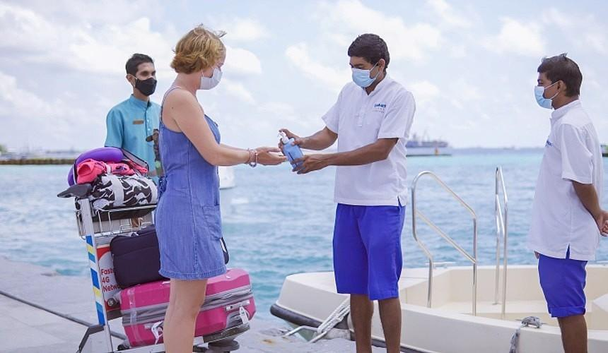 Туроператоры объяснили, на что рассчитывать туристам в случае карантина на Мальдивах