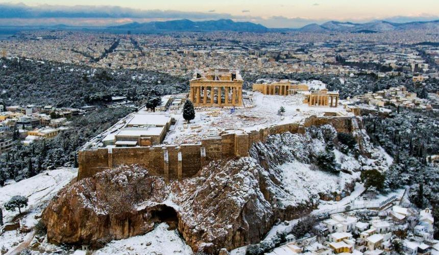 Снег в Турции, Греции и Сочи взорвал соцсети