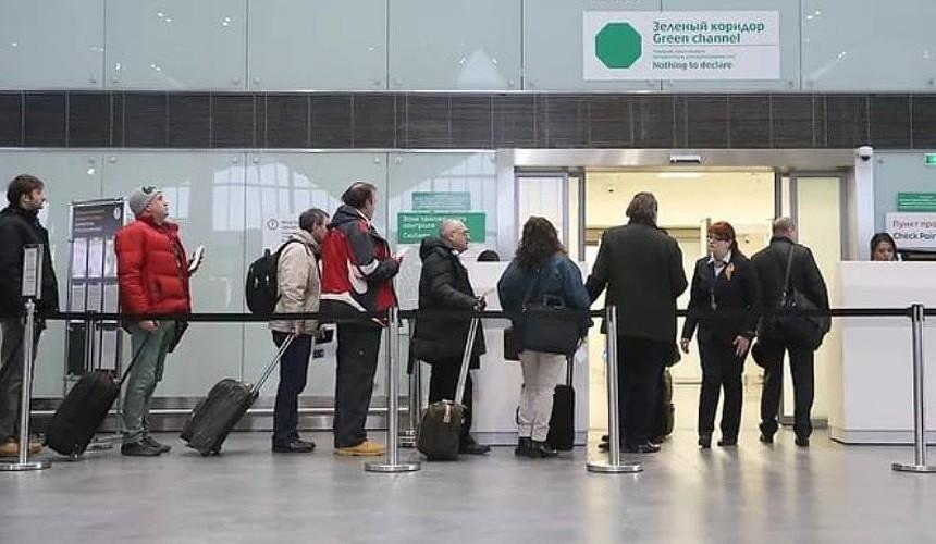 В международных аэропортах могут появиться «зеленые коридоры» для обладателей ковидных паспортов
