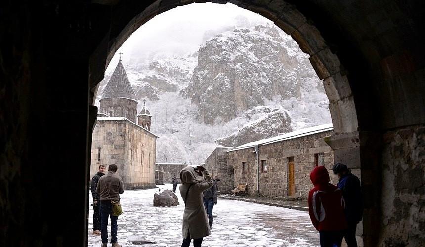 Эксперты объяснили, смогут ли туристы отдохнуть в Армении и Азербайджане