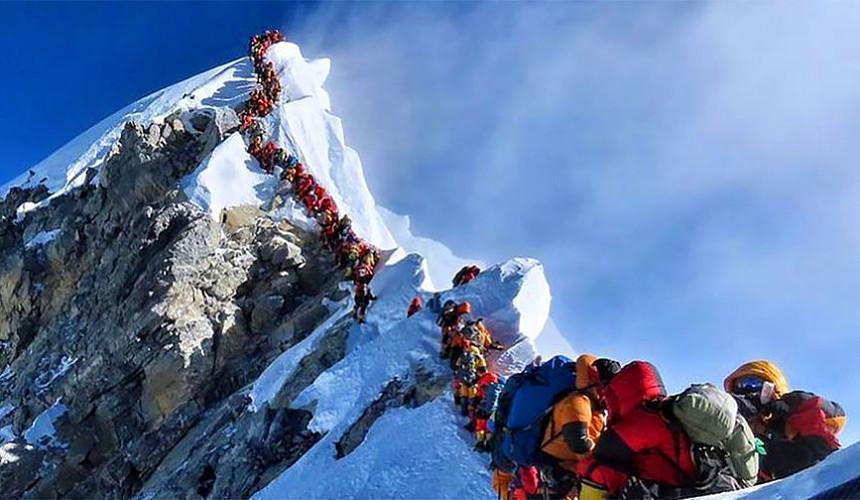Туристов снова пустят на Эверест