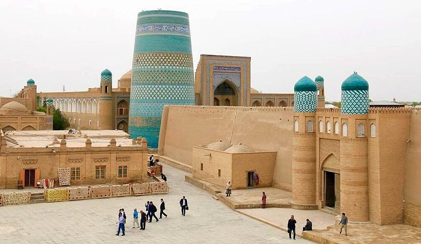 Посольство Узбекистана назвало правила въезда для туристов из России