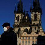 Шансы туристов на возобновление поездок в Европу пока не растут
