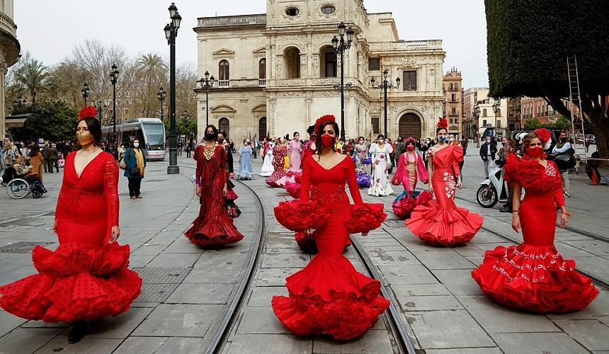Испания планирует принимать иностранных туристов уже в мае