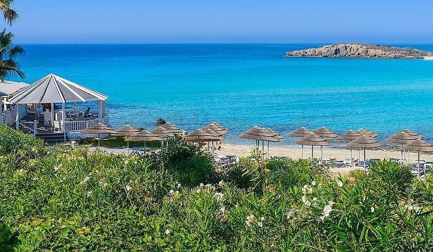Стали известны правила въезда вакцинированных туристов на Кипр