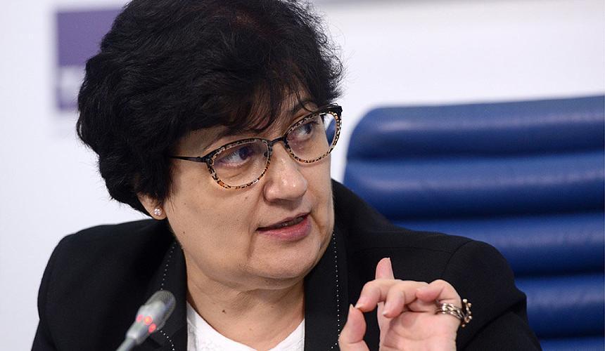 Глава ВОЗ в РФ рекомендовала невакцинированным россиянам отказаться от путешествий