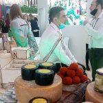 Как представили Россию на выставке: вместо полезных контактов – мёд, амулеты и травы?