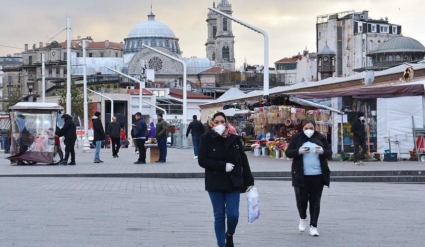 Туристы в Стамбуле без HES-кода не смогут сходить даже в кафе