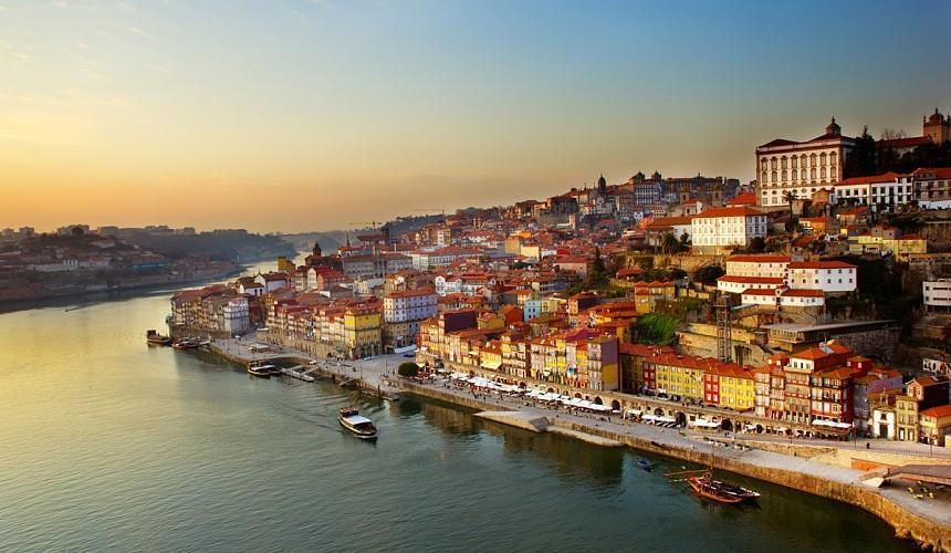 В Португалии планируют отменить карантин для туристов