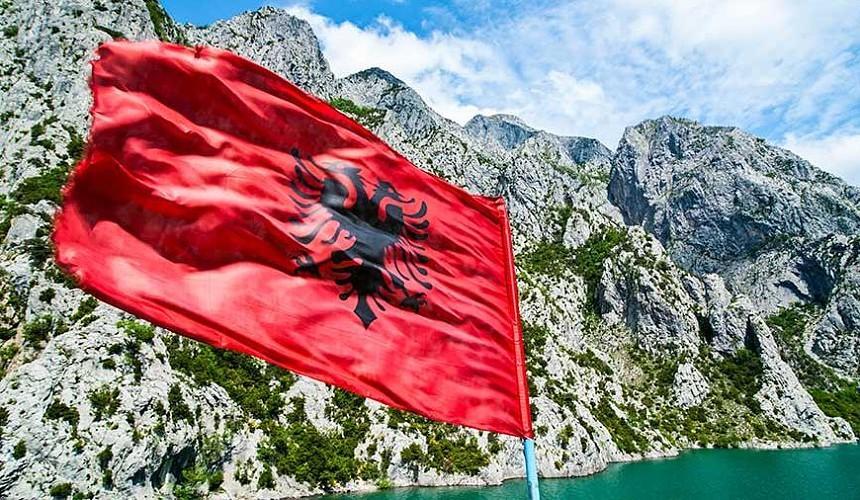 Албания отменила визы для российских туристов