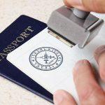 Большинство россиян не поддерживает идею введения ковидных паспортов