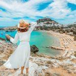 Власти Греции отменяют карантин по прибытии для туристов из 32 стран
