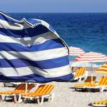 Как мертвому припарка: Греция упростила условия въезда для россиян