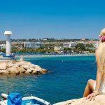 Власти Кипра разъяснили условия въезда российских туристов