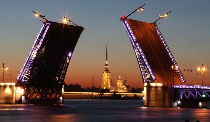 Во сколько туристам обойдется проживание в Санкт-Петербурге в белые ночи?