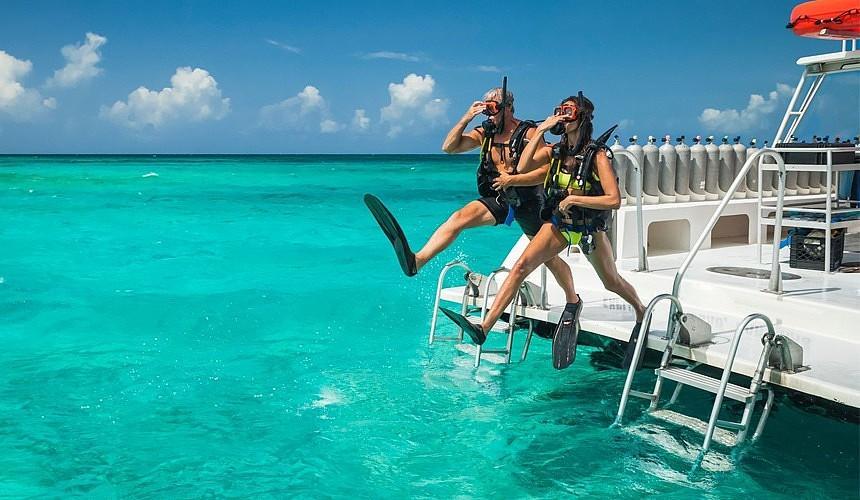 Вакцинированным российским туристам не придется предъявлять ПЦР-тест на Мальдивах