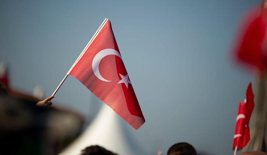 Турция отменяет ПЦР-тестирование на коронавирус для туристов из 16 стран