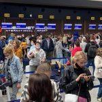 Очевидец: некоторые пассажиры пропустили стыковочные рейсы из-за сбоя в системе Sabre
