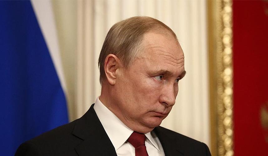 Путин подписал закон о туристических визах для иностранцев