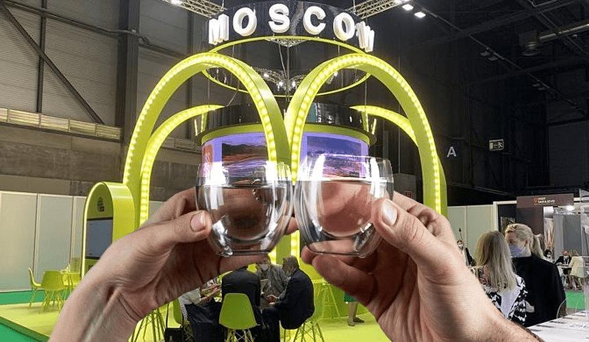 Въездной туризм в Москву на международной выставке рекламируют за барной стойкой