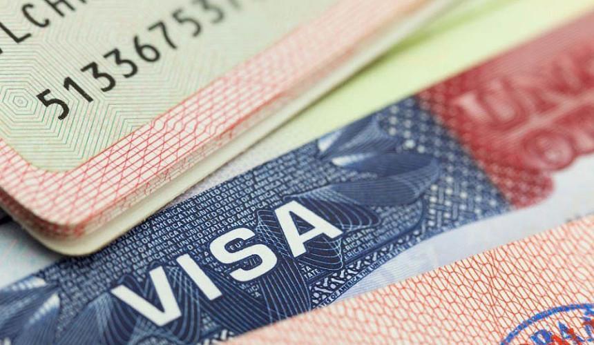 Российские туристы уже могут сдавать документы на визы в Болгарию
