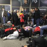 Две тысячи пассажиров ожидают вылета из аэропорта Сочи