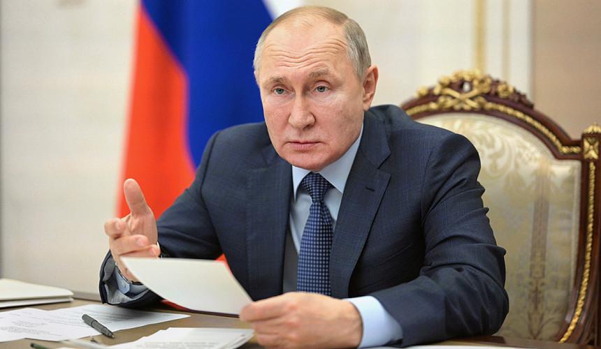 Путин поручил продлить программу туристического кешбэка до конца года
