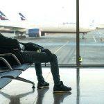 ВОЗ снова рекомендует туристам по возможности избегать поездок за границу