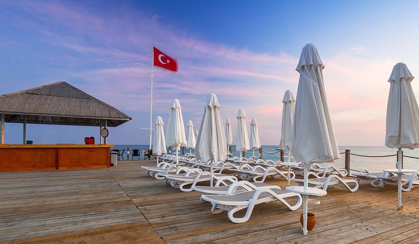 Турция надеется снова открыть курорты для россиян с 1 июня