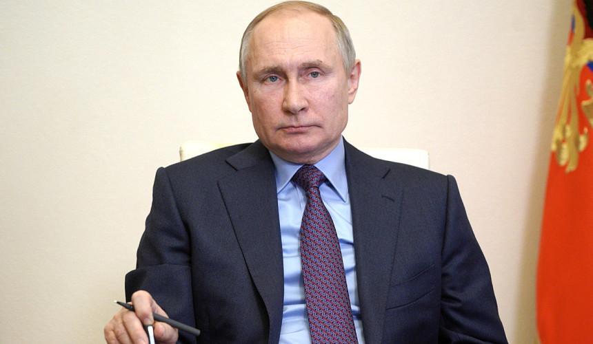 Путин поручил кабмину разобраться с детским отдыхом в России