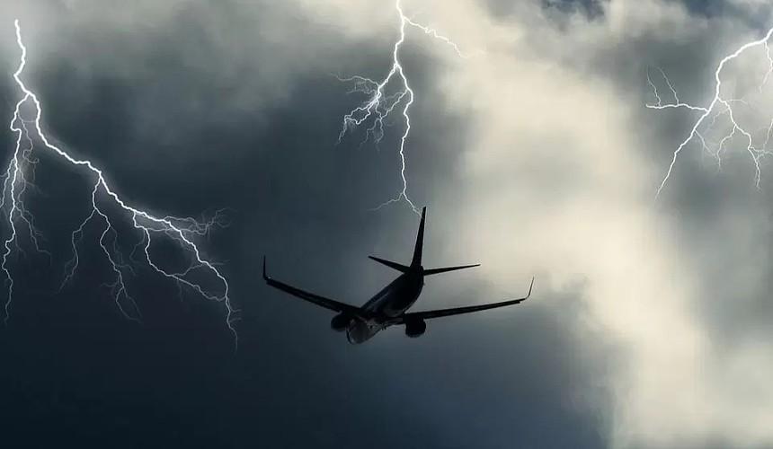 В московских аэропортах задерживается и отменено  порядка 50 рейсов