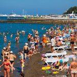 В гостиницах на Черноморском побережье почти не осталось свободных номеров