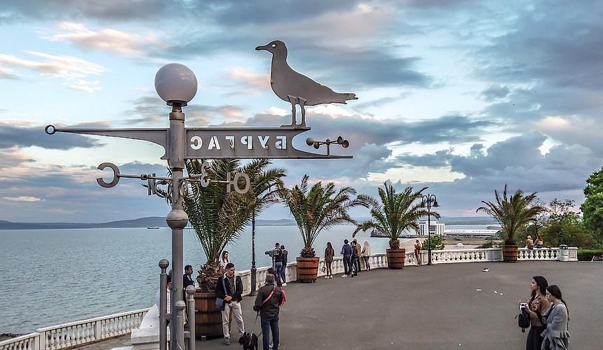 Массовый старт самолетов с туристами в Турцию создал интригу с рейсами в Болгарию и Грецию