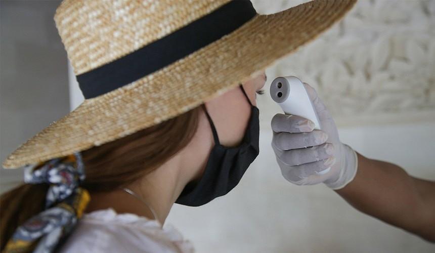 Что делать туристу, если коронавирус настиг за границей?