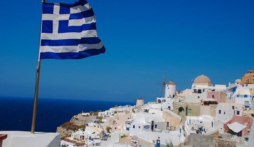 Тест на коронавирус станет обязательным для полета в Грецию