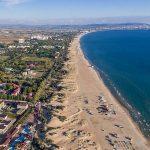 Турагенты рассказали, где в Анапе нет толпы на пляже и чистое море