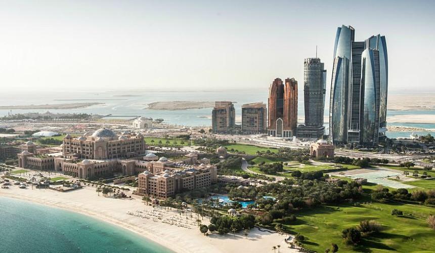 Абу-Даби фактически закрывается для непривитых туристов
