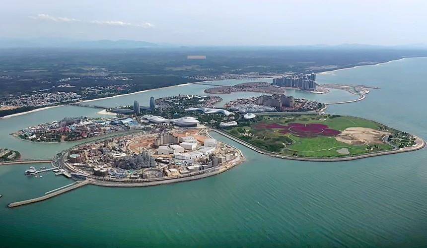 На Хайнане построили искусственный остров для туристов в виде цветка