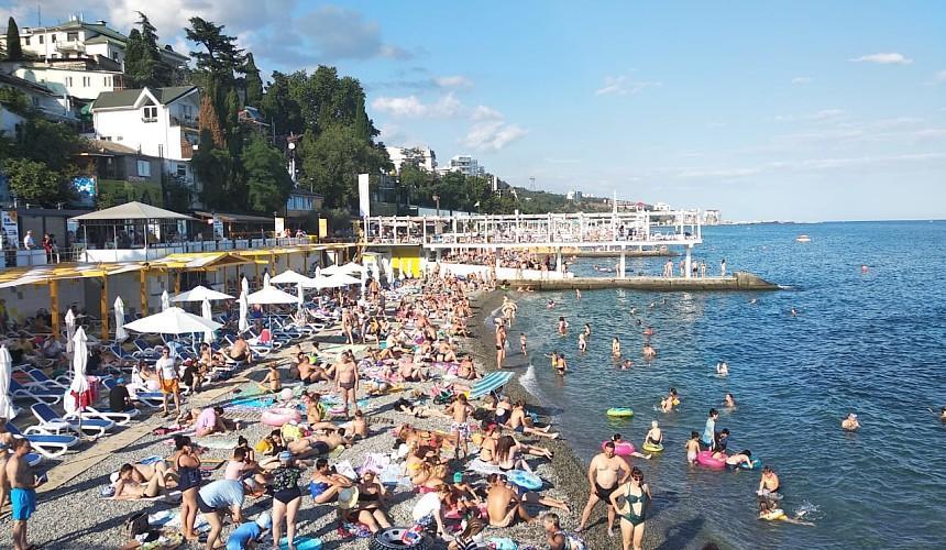 Российских туристов снова призывают отдыхать на родине