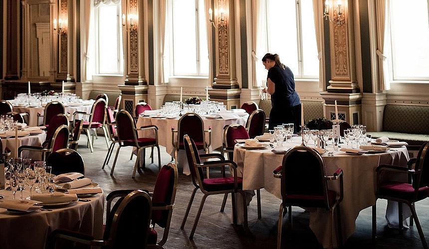 Бизнес Москвы предложил не распространять новые ограничения на рестораны при отелях