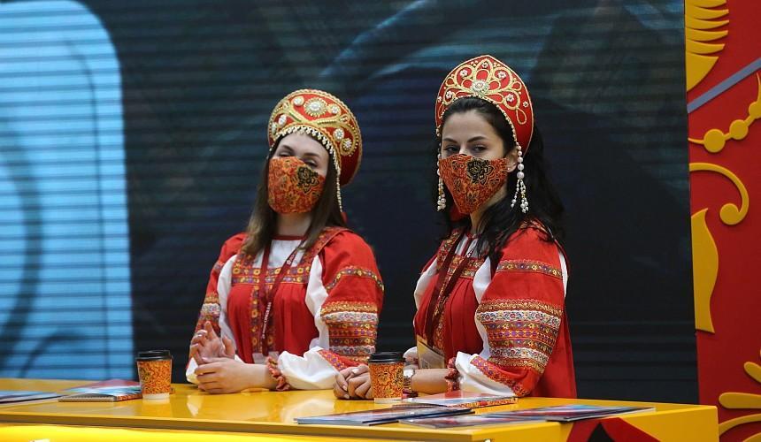 Россия готова вакцинировать иностранных туристов