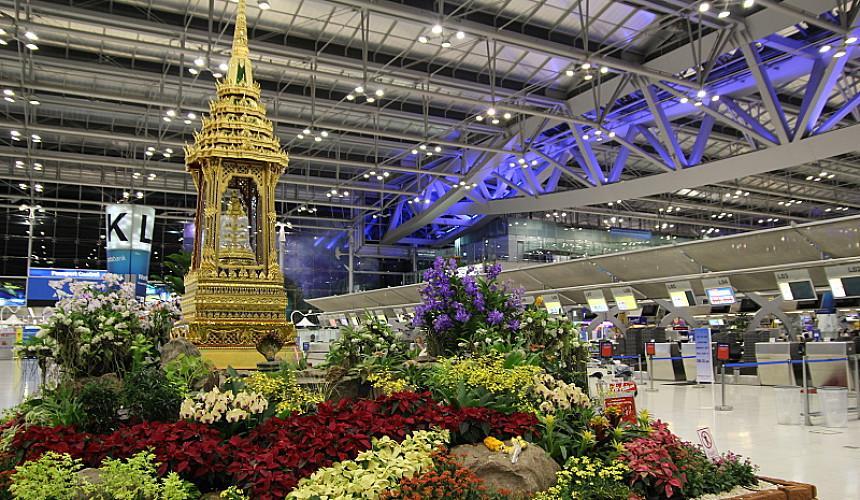 В Бангкоке открывается спецтерминал для привитых туристов, летящих на Пхукет