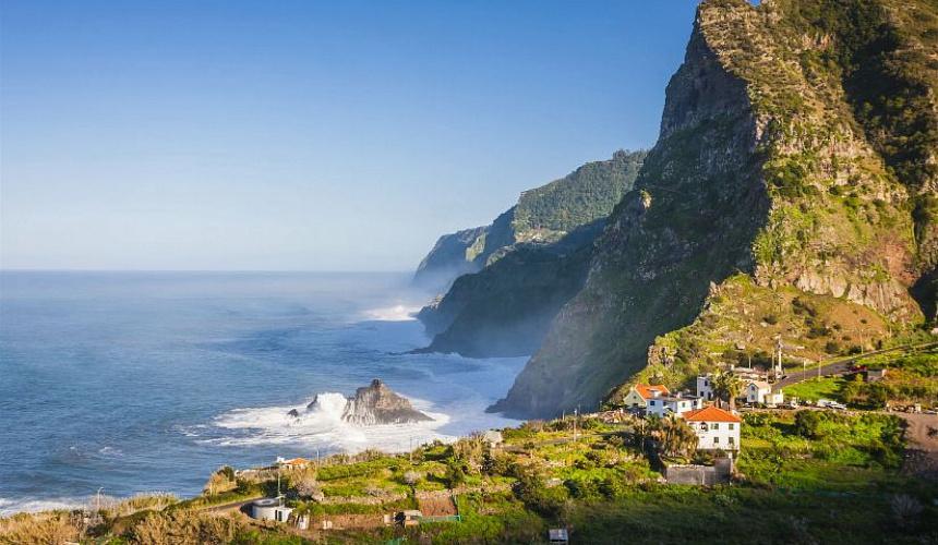 Мадейра откроется для вакцинированных российских туристов