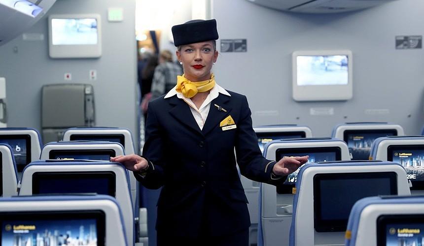 В Lufthansa решили не делить пассажиров на «дам» и «господ»