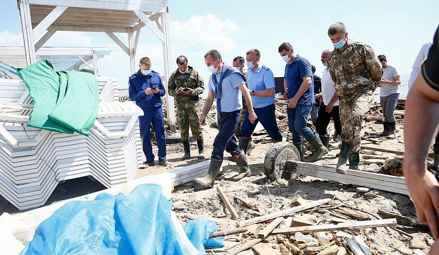 «Здесь не пляж, а помойка»: губернатор Кубани поручил расчистить береговую линию в Туапсе