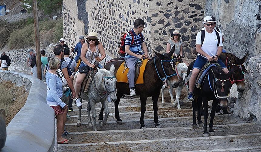 Туристы из Казани и Самары останутся без прямых авиарейсов в Северную Грецию