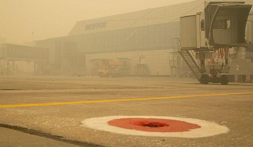 Из-за пожаров аэропорт в Якутске перестал принимать и отправлять рейсы